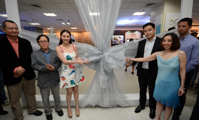 Metro Gift Registry Grand Launch Ribbon Untying Ceremony