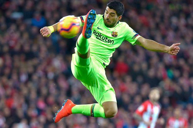 خضع لويس سواريز لاعب برشلونة لعملية جراحية في الركبة