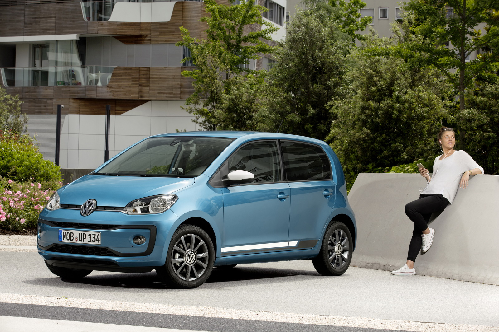 vw launches facelifted up city car including sporty 89hp turbo 51 pics. Black Bedroom Furniture Sets. Home Design Ideas