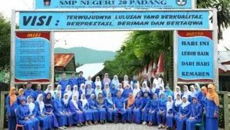 Pengurus Alumni SMP 20 Padang Angkatan 89 Telah Terbentuk .