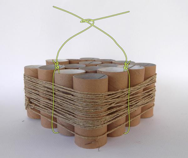 κατασκευή με ρολά από το χαρτί υγείας
