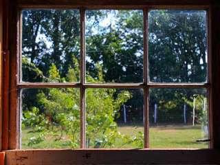 Cara Memasang Kaca pada Daun Jendela