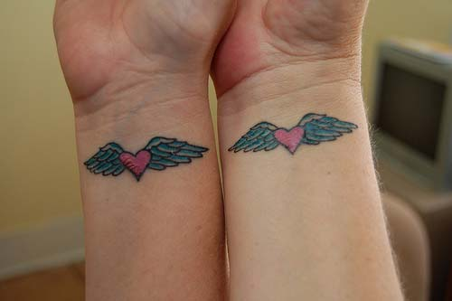 bayan bilek dövmeleri woman wrist tattoos heart wings