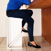 http://www.ohohdeco.com/2015/11/diy-bar-stool.html
