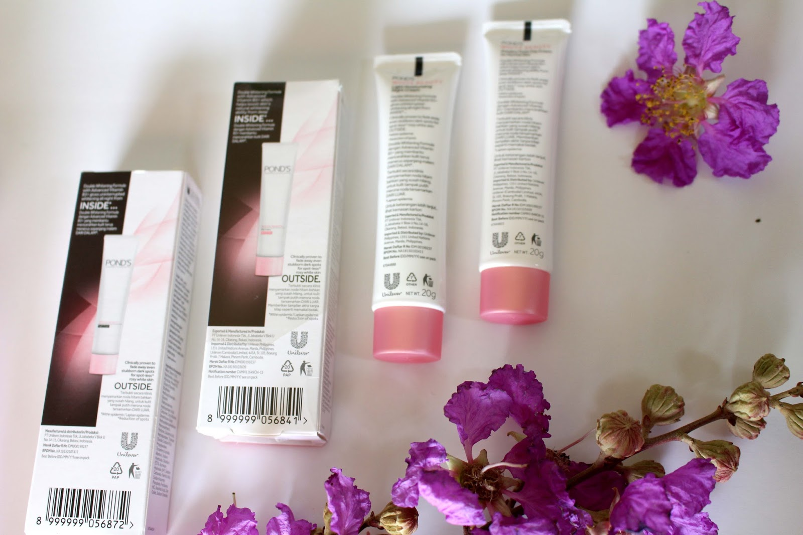 uli mayang: Review Pond's White Beauty Day and Night cream