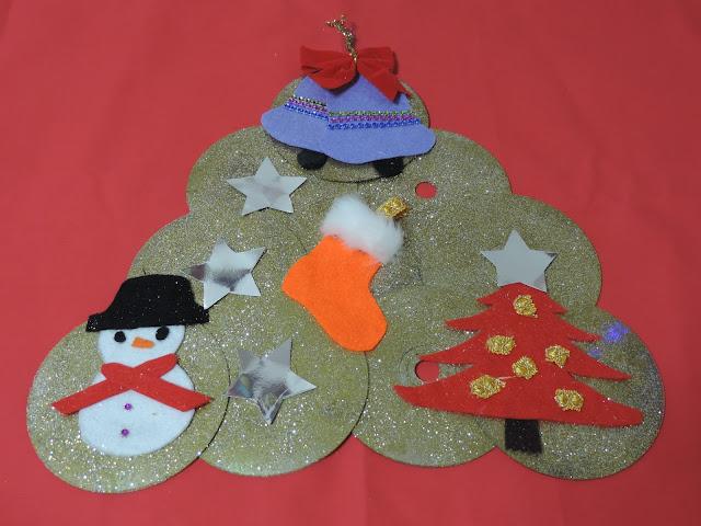 Corona navideña de cd´s reciclados CosasdeCari.blogspot.com
