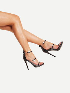 es.romwe.com/Clear-Detail-Strappy-Stiletto-Sandals-p-279533-cat-715.html?utm_source=alguienvolosobremislouboutins&utm_medium=blogger&url_from=alguienvolosobremislouboutins_es