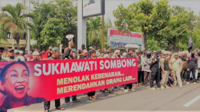Demo Sukmawati