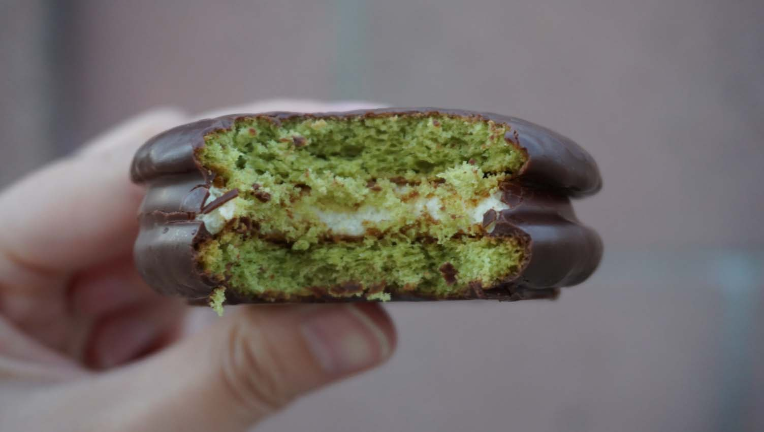 Review | Orion Matcha Latte Choco Pie (Found at H-Mart)