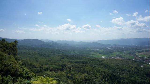 Pemandangan Pegunungan di Pacitan