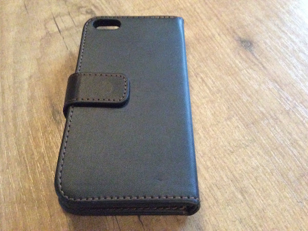 Wallet iPhone Case thanks to Mobile Madhouse