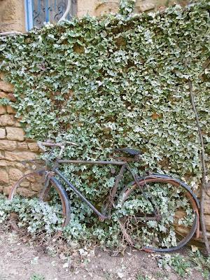 Vélo rouille à Sarlat, malooka