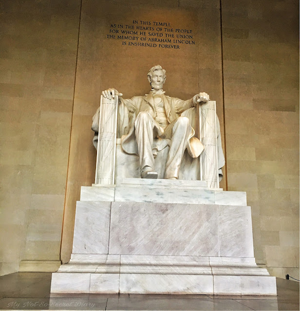 Washington DC travel blog Lincoln Memorial