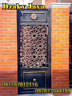Model Pintu Besi Tempa Motif Maroko untuk Rumah Mewah Klasik