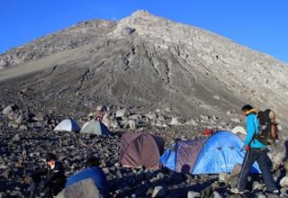 Jalur pendakian Gunung Merapi - Pasar Bubrah