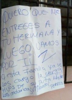 """""""Quiero que me entregues a tu hermana"""", dejan cabeza de cochino y amenaza en vivienda de Veracruz"""