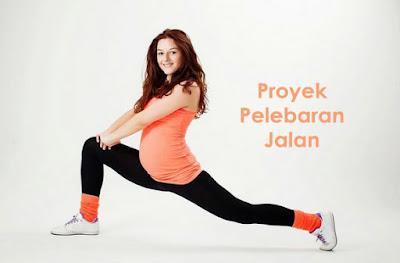 Foto wanita mudah hamil senam