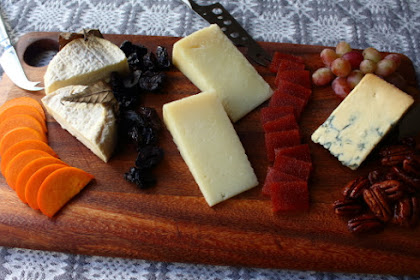 Holiday Cheese Board – Finding Michele
