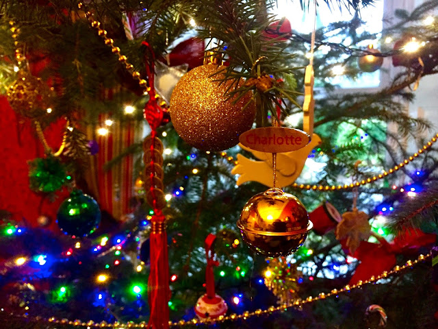 Christmas tree baubles, decorations & ornaments