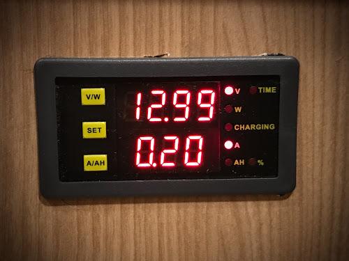 solar charge monitor dcm 120100c volt/amp meter for caravan