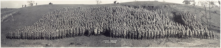 Photographie panoramique des officiers de Camp Grant en 1917