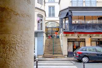 Paris : Passage des Deux Pavillons, le plus petit passage couvert de Paris - Ier