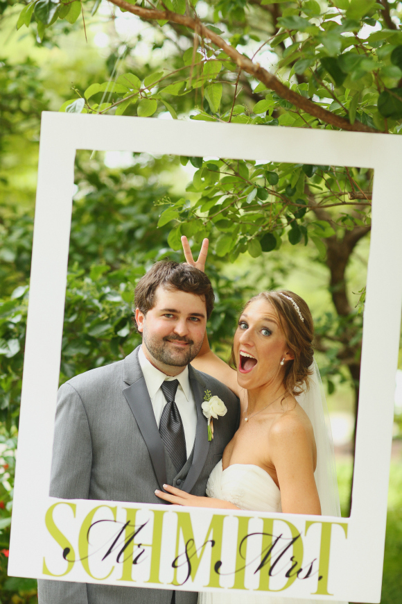 Wedding Photobooth (Photo: J. Woodbery Photography)