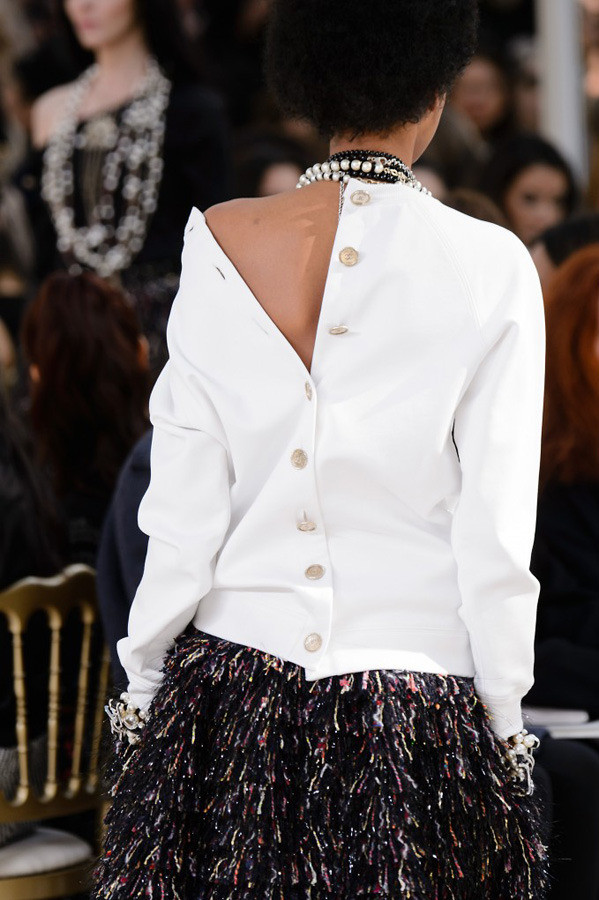 Paris Fashion Week The Amazing Details AW17 by Chanel {Cool Chic Style Fashion}