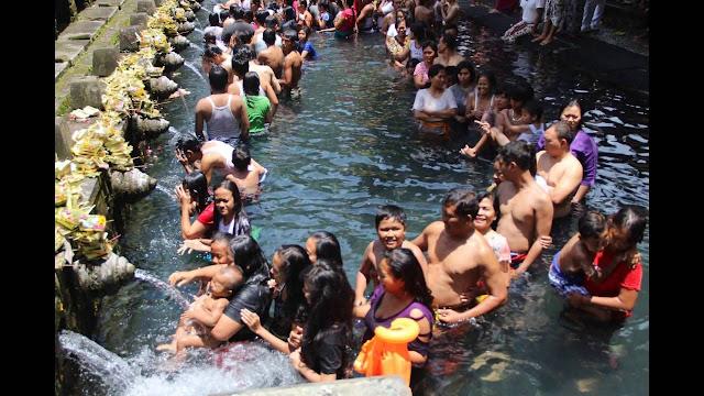 Destinasi%2BWisata%2Bdi%2BBali%2B%2BTirta%2Bgangga tampak%2Bsiring 5 Destinasi Wisata di Bali Bagian Timur yang  Wajib Anda Kunjungi