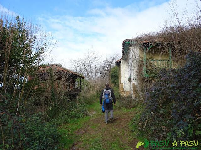 Casas abandonadas en el camino a Ceacal