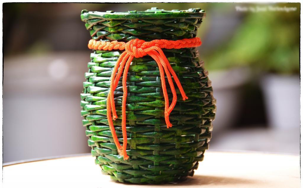 Cara Pembuatan Vas Bunga Dari Koran Bekas Kreasiku