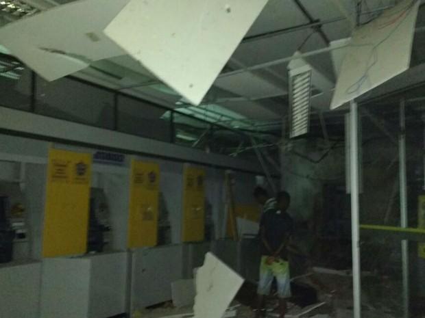 Grupo explode 2 agências bancárias na cidade de Itagi