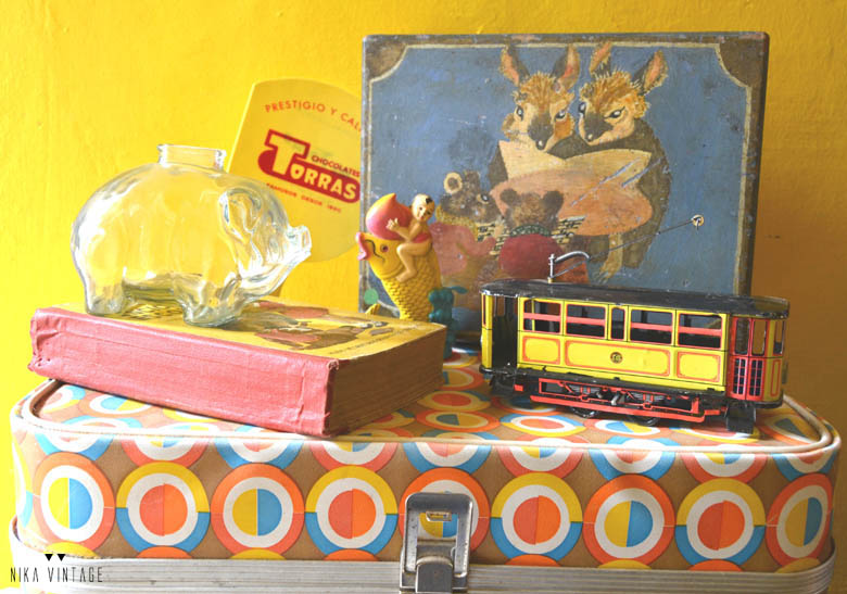 Como decorar con objetos vintage y antiguos de color amarillo