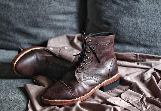 Model Sepatu Kulit Boots pria kekinian