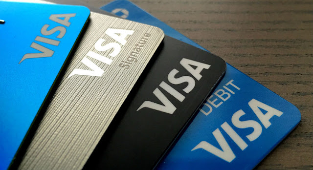 الرئيس التنفيذي لشركة فيزا: العملات المشفرة لا تتحدى هيمنتنا في المدى القصير إلى المتوسط