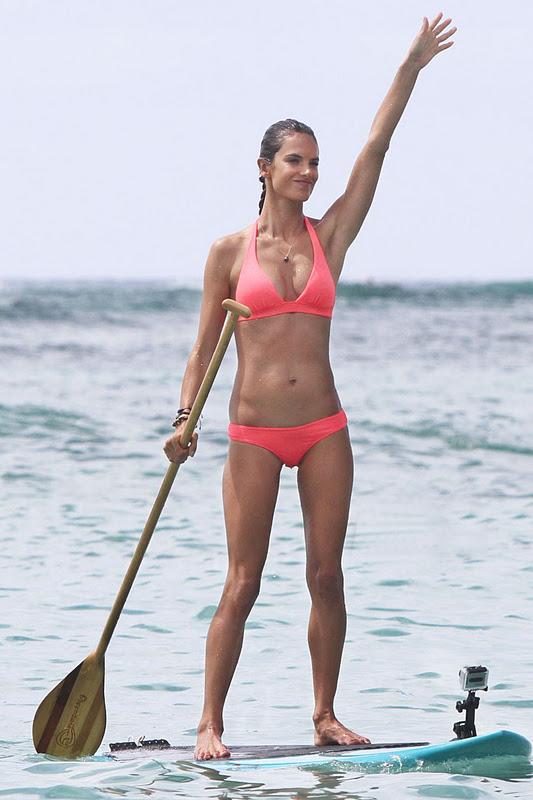 Come forum alessandra ambrosio bikini camel