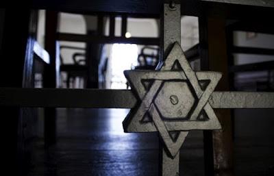 """Alrededor de 300 judíos británicos descendientes de portugueses sefardí pidieron la nacionalidad portuguesa desde el triunfo de la """"Brexit"""" en contra de cinco solicitudes en 2015, dijo el lunes a la comunidad judía de Porto Efe."""