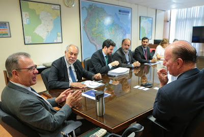 Serviço Geológico do Brasil se reúne com ministro de Minas e Energia e presidente da Embrapii