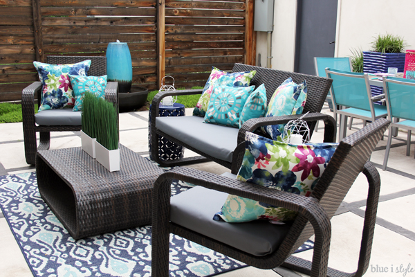 Fake your way to no-sew recovered outdoor cushions - Diy With Style} The No-Sew Way To Reupholster Outdoor Cushions