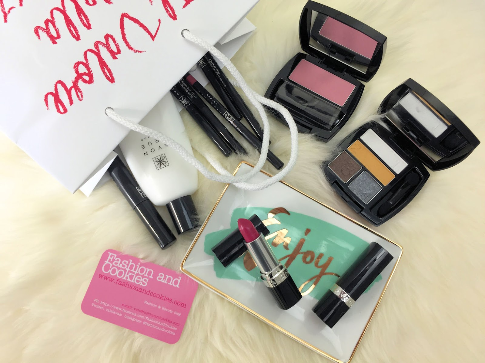 Avon #allascopertadiavon collezione makeup True Colour su Fashion and Cookies beauty blog, beauty blogger