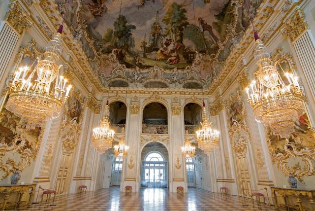 واحدة من صور قصر نيمفنبورغ من الداخل