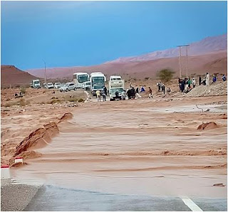 بالفيديو الفيضانات تجتاح المغرب وتقطع الطريق الرابطة بين تارودانت وطاطا