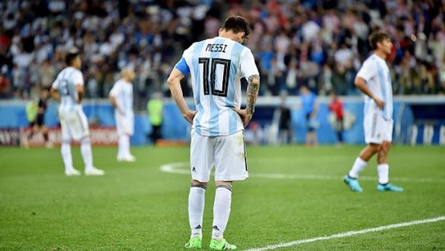 Piala Dunia 2018 : Bak Kematian, Presenter dan Pandit Argentina Lakukan Ini Pasca Dibantai Kroasia