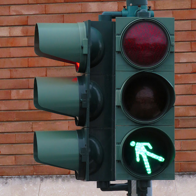 Traffic light, Scali Manzoni, Livorno