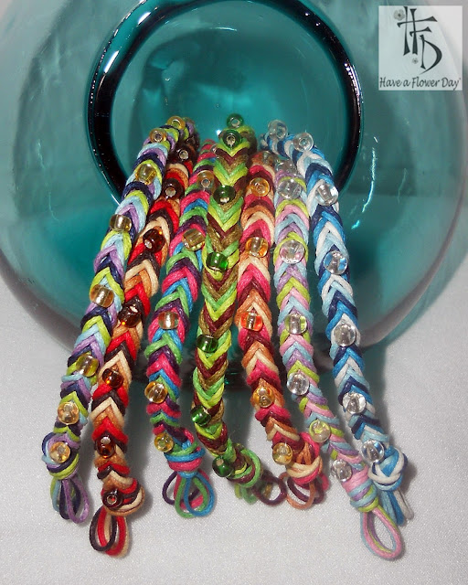 TRECCIA. Pulseras trenzadas con rocalla / Braided bracelets with beads