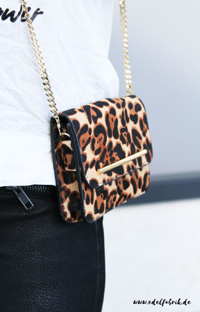 the classy factory Look, small bag with Animal Print