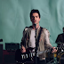 "Stereophonics toca ""Caught By The Wind"" em programa de TV"