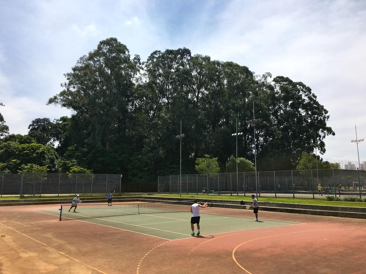 Quadras de tênis no Parque da Juventude