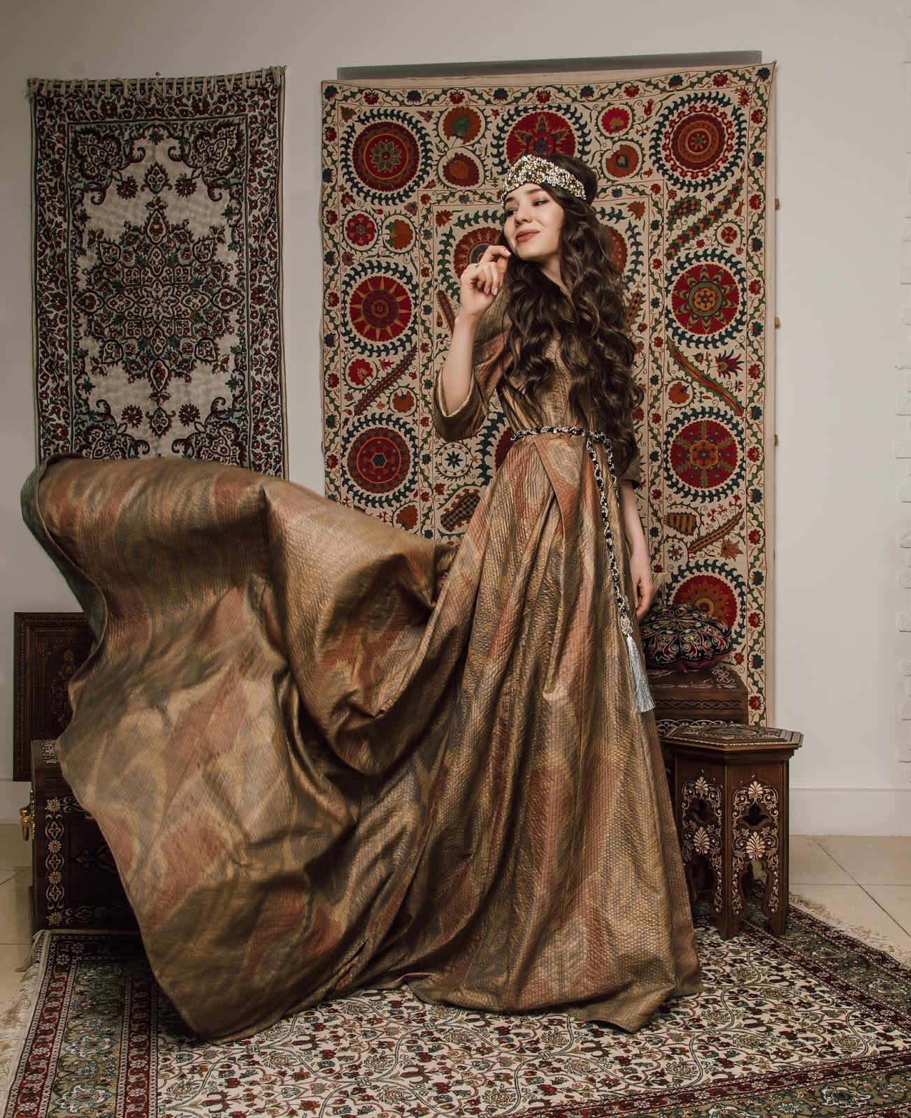 fashion blogger diyorasnotes diyora beta artboxuz artbox national print uzbek print uzbek bride