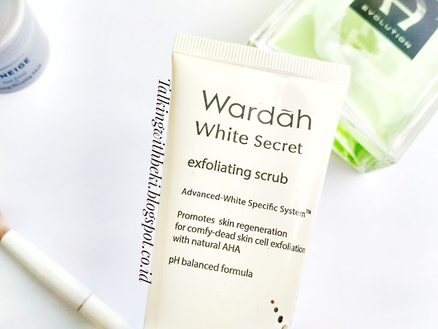 Review Wardah White Secret Exfoliating Scrub